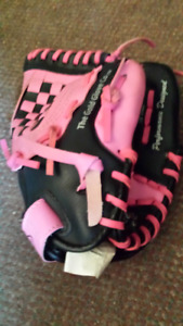 CHILDS BASEBALL GLOVE