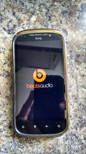HTC Amaze cellphone for sale Wind/Freedom mobile