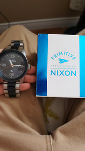 Selling men's Nixon watch