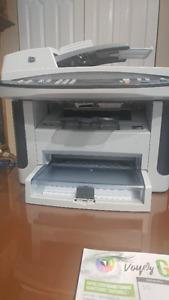 Imprimante Laser 4 en 1 HP scaner, photocopieur, fax