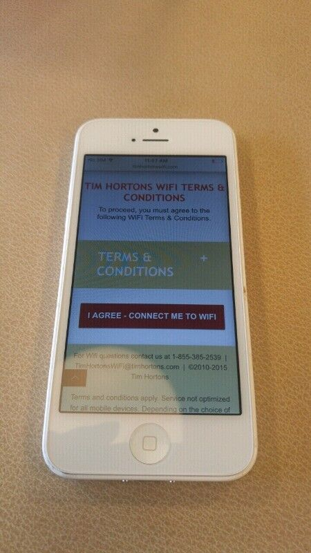 Iphone 5c And 2 Ipods Cell Phones Fredericton Kijiji