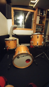 Drum kit, cymbals and preamp // Batterie, cymbales et preamplifi