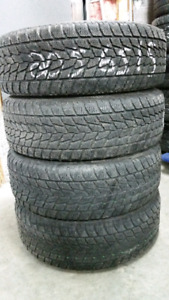 4 pneus d'hiver 205 65 15 toyo