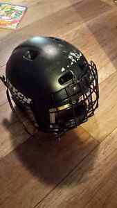childs hockey helmet