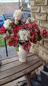 LOVELY SILK FLOWERS HOME DECOR ACCENT