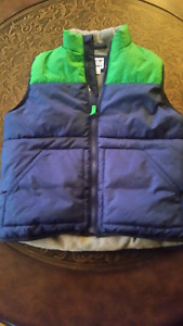 BOYS SIZE SMALL 6/7 FALL VEST FROM OLD NAVY $8