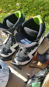 Snowboard boots size 9.5