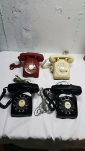 Retro phones take all 4 only $80