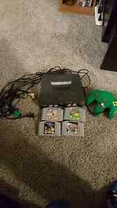 N64 PACKAGE WITH GREEN CONTROLLER AND 4 GAMES - NINTENDO 64