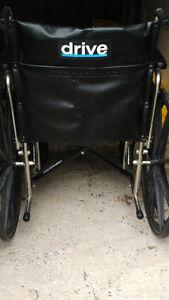 Chaise roulante drive. tres bon etat