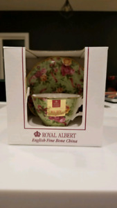 Royal Albert Teacup Set