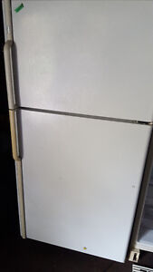 fridge 200.00 white frost free works well, Delivery available