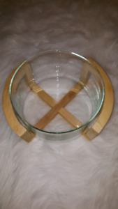 Salad bowl with stand