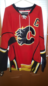 Reebok Official Calgary Flames Jerome Iginla Jersey Size 54