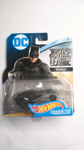 HOT WHEELS BATMAN JUSTICE LEAGUE CHARACTER CARS DIECAST