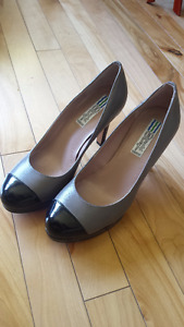 Arnold Churgin size 5.5 shoes - black and taupe - BRAND NEW