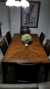 7 pc Dining set - 6 chairs + table