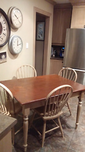 Pine dinning table with chairs