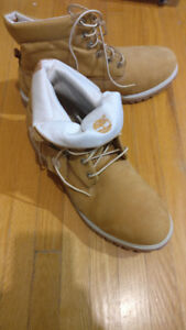 LIKE NEW TIMBERLAND BOOTS MENS 11.5