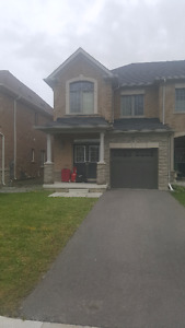 GORGEOUS 4 BEDROOM CORNER TOWNHOUSE @ YONGE / 19TH AVE