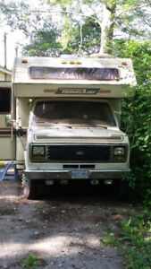 1987 Ford Travelaire Motorhome - Runs and drives excellent