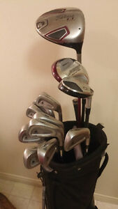 Titleist 13 p.c set & Bag R/H $280