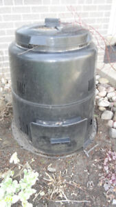 Composter - Residential, Plastic, Round, Black