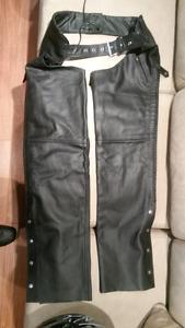 Pantalon de cuir et veston