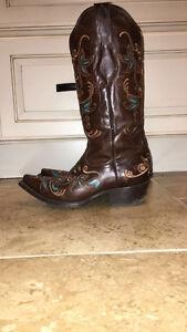 Ladies cowboy boots Regina Regina Area image 2