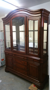 WALL UNIT/HUTCH/BUFFET
