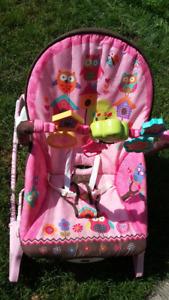 Chaise pour bébé berçante et vibrante