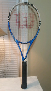 Tennis Racquet, Like new, Wilson  brand