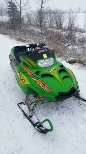 2005 ARCTIC CAT 900 ZR BIG BORE  (2800  ORIGINAL MILES)