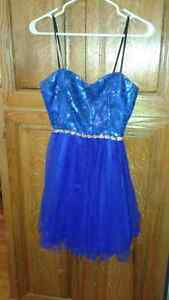 "Girls ""David's Bridal"" short prom dress.....Size 4"