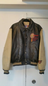 Veste retro AVIREX, cuir, état impecable. AVIREX leather jacket.