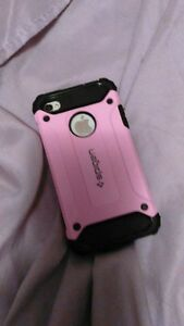 I PHONE 4S TELUS 125$ TRURO otter box & case