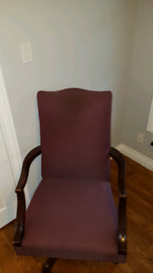 Quality vintage office chair - size large