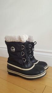 Boys Sorel Black Size 4 winter boots