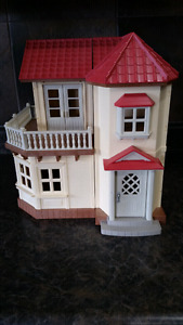 Calico Critters Townhome with Accessories