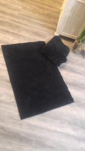 2 bath mats