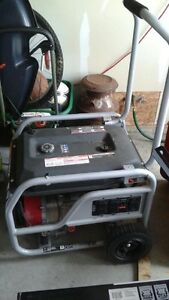 HONDA GENERATOR - LIKE NEW