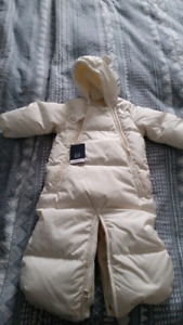 0-6 MO. Snowsuit white (new with tags)