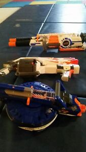 Various nerf guns or package