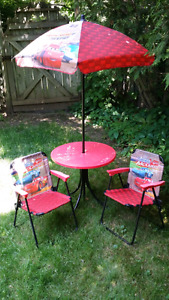 Outdoor kid table & folding chairs