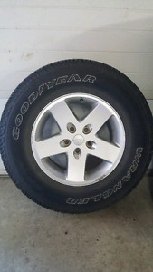 255/75R17 Jeep tires and rims