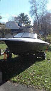 16' V-hall fibreglass speed boat