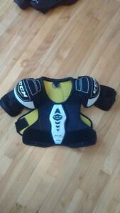 Quality Hockey Equipment for 6-7 years old child.