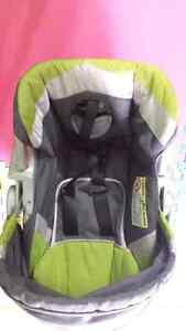 Baby's Car seat with base and stroller