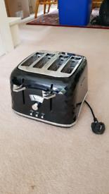 Beautiful DeLonghi 4 slice toaster