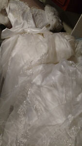 Vintage White Valeciene Gown Organza, Beading & Beaded Headpiece London Ontario image 10